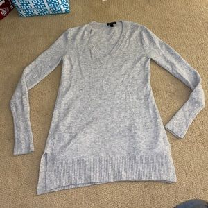 J. CREW long gray sweater with pockets